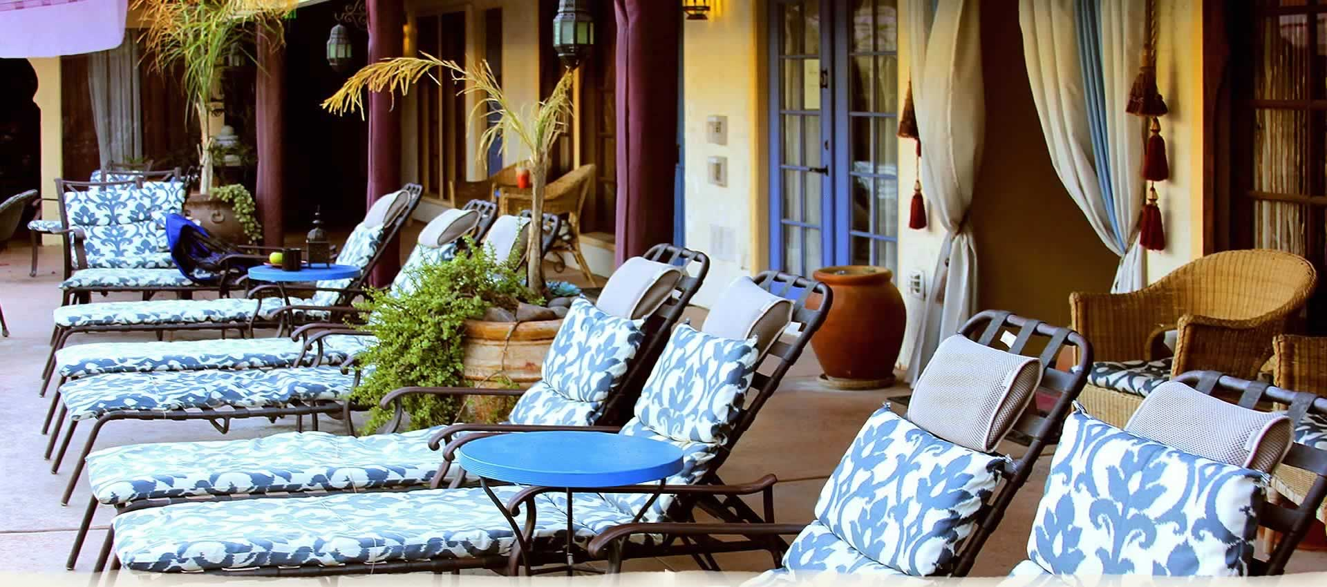El Morocco Inn & Spa patio lounge chairs